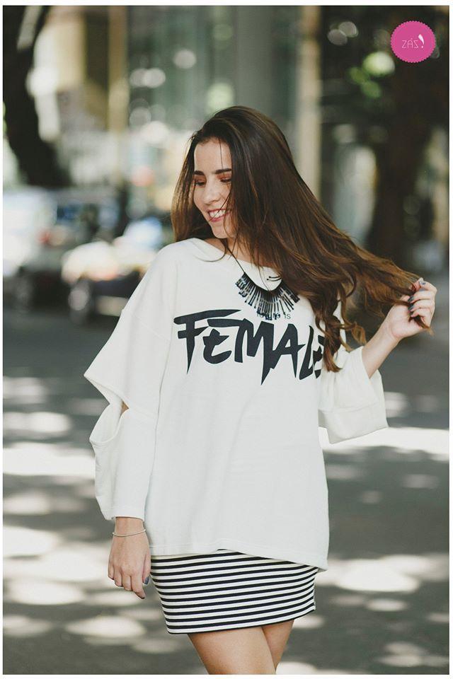 """The future is Female"" #vemprazas"
