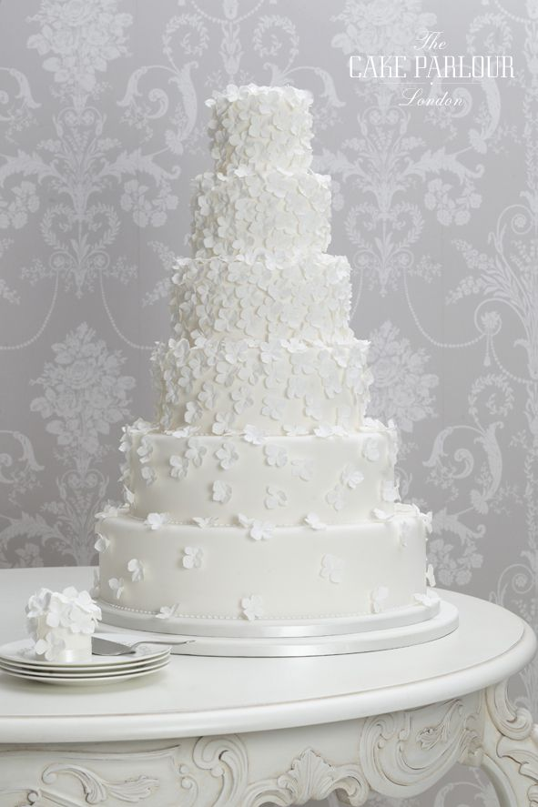award winning white wedding cake recipe beautiful bespoke award winning wedding cakes designed and 10972