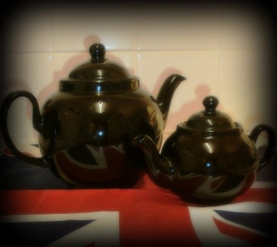 A Potted History of the Brown Betty Teapot  www.TeaInEngland.com
