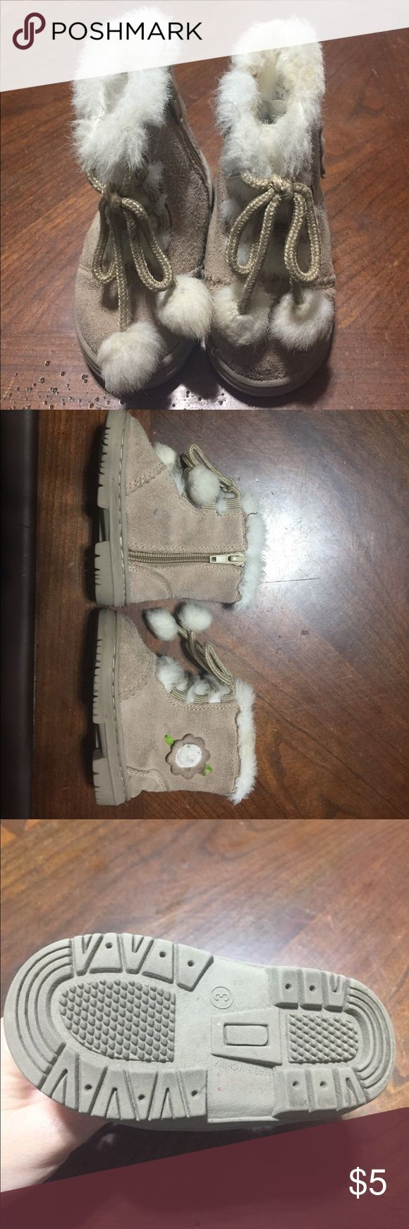 Genuine Kids Toddler Snow Boots Genuine Kids by Oshkosh. Size 3 toddler snow boots. Gently Worn. Tan color with cream faux fur. Small flower detail. Osh Kosh Shoes Rain & Snow Boots