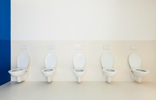O toaleta colorata si igienizata! La cumpararea unei tablete Peak pentru toaleta la pretul de 3.36 lei/buc + TVA, primesti a doua tableta la doar 2.64 lei! Asta inseamna o reducere de 40%! Tot pachetul la doar 6 lei + TVA!