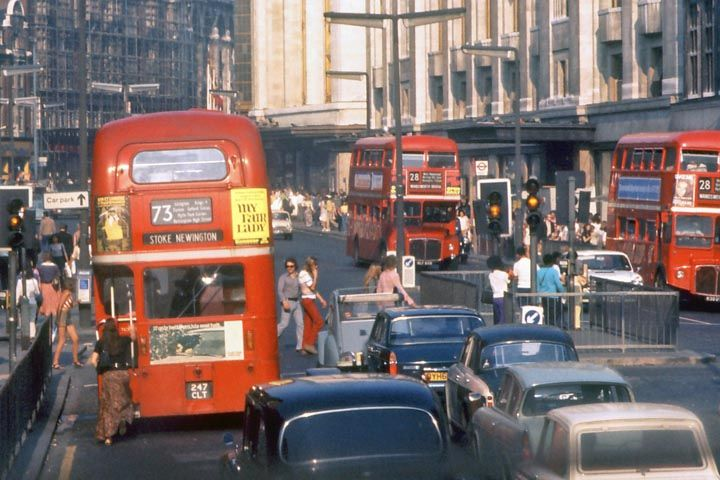 vintage everyday: Kensington High Street, London, 1973