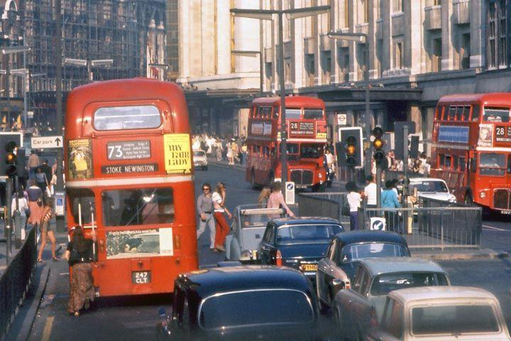 vintage everyday: Kensington High Street, London, 1973