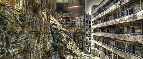 Luoghi dimenticati dal tempo ed abbandonati per vie di tristi storie. Ecco quali sono le città fantasma più spaventose del mondo.
