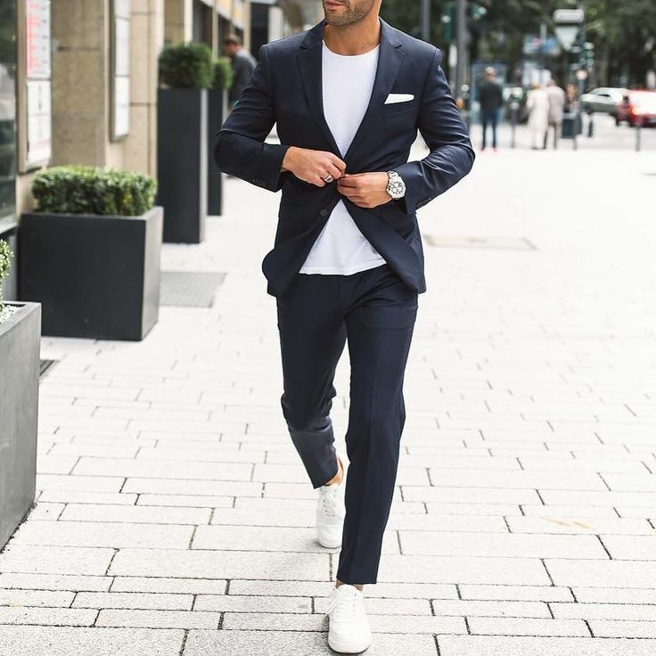 Classy and simple Yay or nay?  Via @gentwithclassicstyle  Follow @mensfashion_guide for more! By @kosta_williams  #mensfashion_guide #mensguides