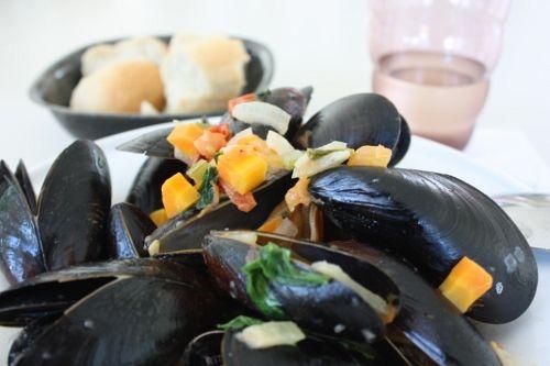 Lizas matverden-hverdag, fest og moro: Kremet blåskjellsuppe med tomater