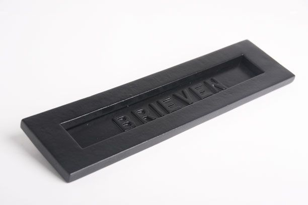 Brievenbus Zwart 'brieven' - massief messing [7BB9094-massief-messing] - 59.90EUR : Interieurbeslag.nl, Webwinkel voor deurkrukken, kapstokhaken, deur-, keuken- en meubelbeslag