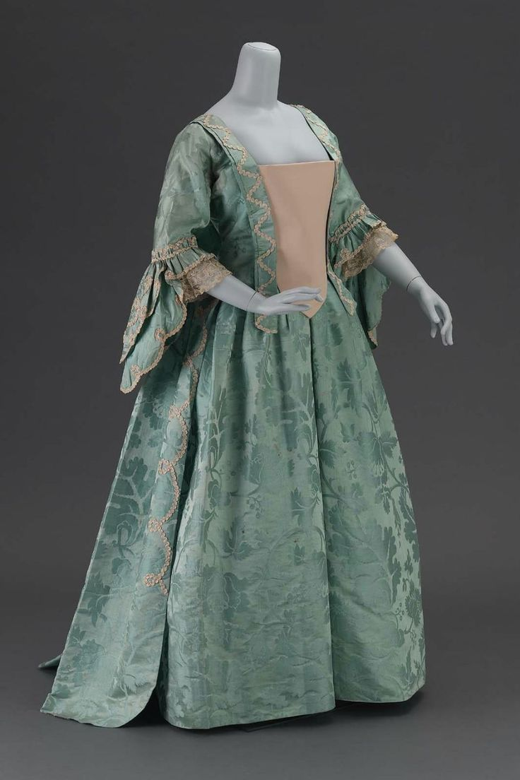 1000 images about french fashion muse paris chic dress the french revolution dress 1780s