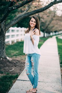 spring senior portraits, senior pictures, senior picture outfits, outfit inspiration, senior portraits, senior portrait photographer, maryland senior portrait photographer, carroll county, mount airy photographer