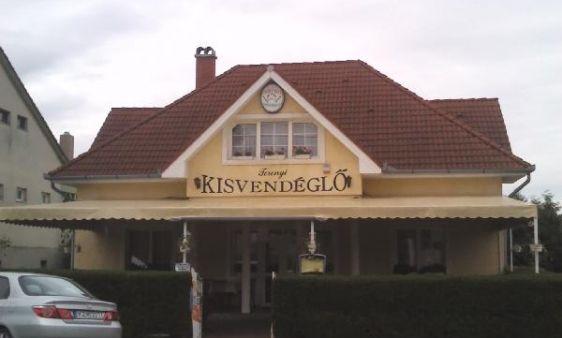 """Toronyi kisvendéglő/ Toronyi restaurant _____________________________ """"Az étterem várja kedves vendégeit a Balatontól néhány kilóméterre, családias, barátságos környezetben, finom magyaros ízekkel."""""""