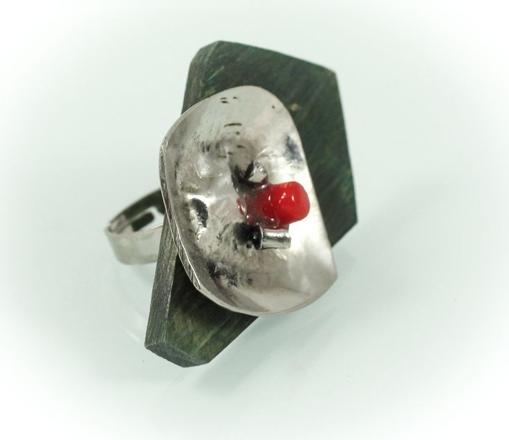 Bo-at ring, horn wood/Murano glass/silver/ 4,5 cm. www.leontinpaun.ro Buy online - www.fine-art.ro