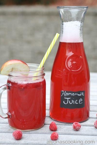 Homemade Raspberry, Peach & Cranberry Juice {Kompot}