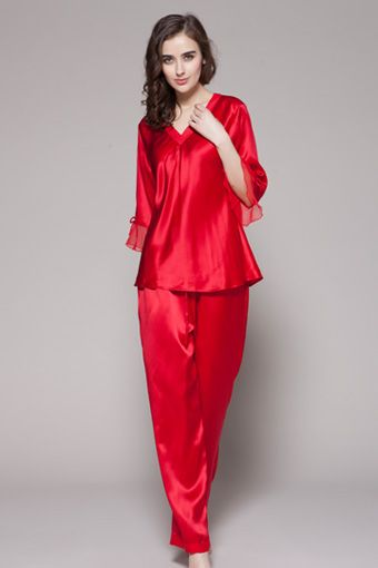 Buy rouge color 100-percent pure and natural girls silk camisole in two-piece set and custom plus size. $98 #pajamas #silk #lilysilk
