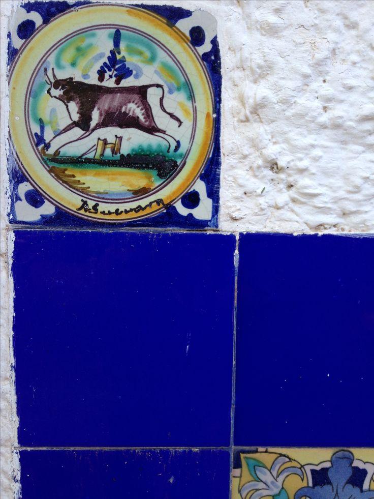 """Detalle. Fuente y bancos, de """"Misia Antonita"""" Maipu. Mendoza.Argentina."""