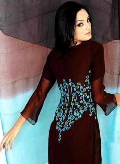 Stylish New Pakistani Shalwar Kameez Maroon Design