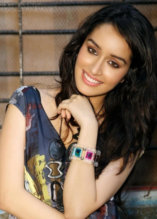 If you are looking for some picture, wallpapers of Aashiqui 2 actress Shraddha Kapoor then some of them are given below. Shraddha Kapoor's Picture, Wallpapers - Aashiqui 2 Movie Actress.