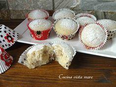 I muffin vegani sono deliziosi, soffici, leggerissimi perché senza burro e senza uova: perfetti per chi segue una dieta vegana o per chi è intollerante!
