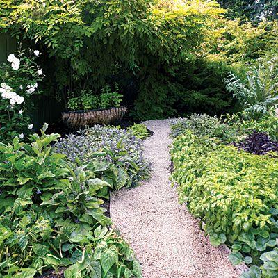 Edible garden border.: Border Plants, Edible Gardens, Edge Ideas, Gardens Paths, Garden Paths, Edible Paths, Herbs Gardens, Edible Herbs, Gardens Border