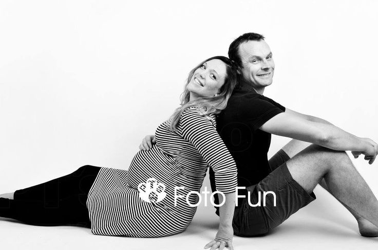 Emma pregnant with hubby Harland