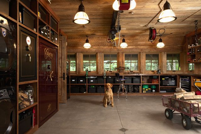 Astonishing traditional earthy themed garage interior for Garage designs interior ideas