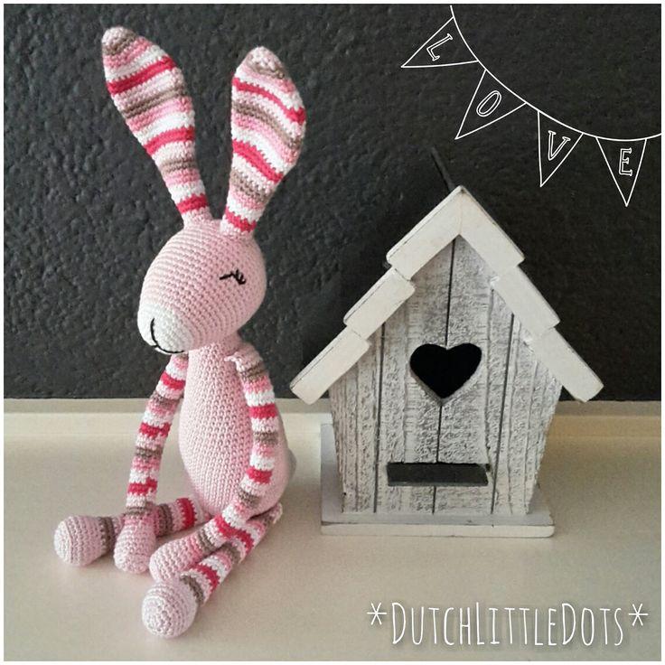 De patronen van Stip & Haak  blijven leuk, Snuf Konijn  is echt één van mijn favorieten, ik ben gek op konijntjes! <3   Deze keer in roze t...