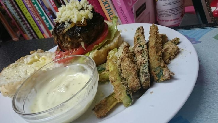 Beef burgers with zucchini fries.   https://m.facebook.com/ToutesLesBelles