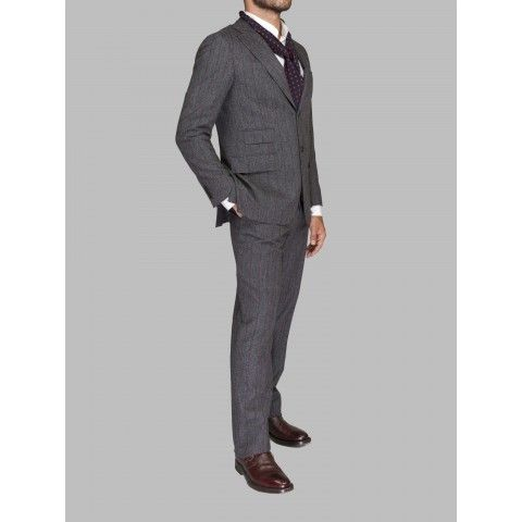 Suit in wool with red pinstripe pattern. Hand cut and sewn. Find this on: http://www.efesti.com/partners/new-dandy/suits/abito-gessato-216.html