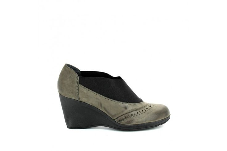 Laredo 3107 Nabuk Grey - Shoes in real brushed nabuk with frontal elastic band. Rubber sole and heel 7 cm high.