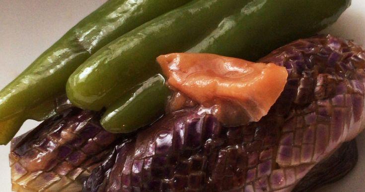 茄子とピーマンだけで安定感のある夕飯の一品に。お蕎麦などと一緒に食べても美味しいです(o^^o)