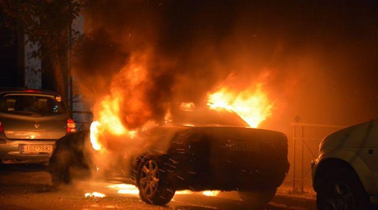 Πυρκαγιά σε ΙΧ στην περιοχή της Καλαμαριάς