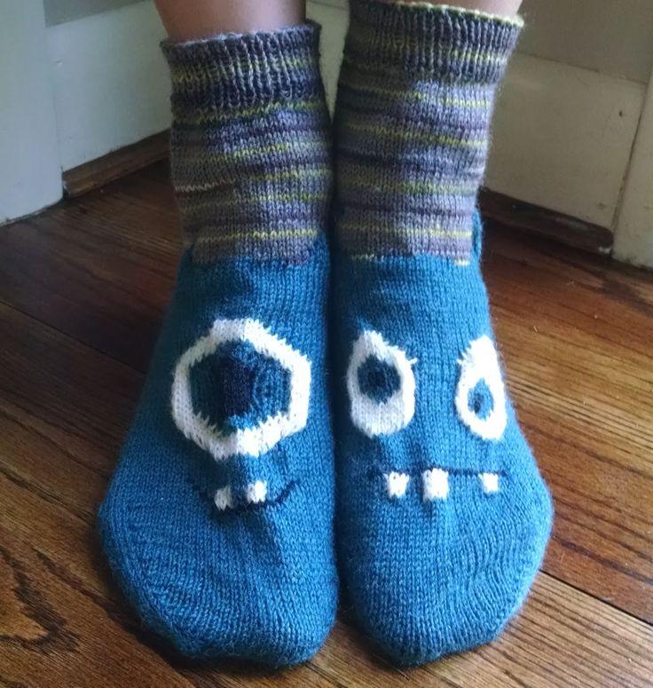 Sock Knitting Pattern Generator : Monster Toes Socks free knitting pattern Knitted Goods Pinterest Patter...