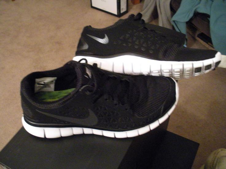 Running Shoes. NIKE Freerun