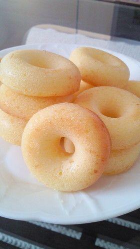 ケーキ屋さん風★しっとり本格焼きドーナツ とっても簡単に出来てふんわりしっとり♪お気に入りの焼きドーナツレシピです★レポ1000人ありがとうございます♪