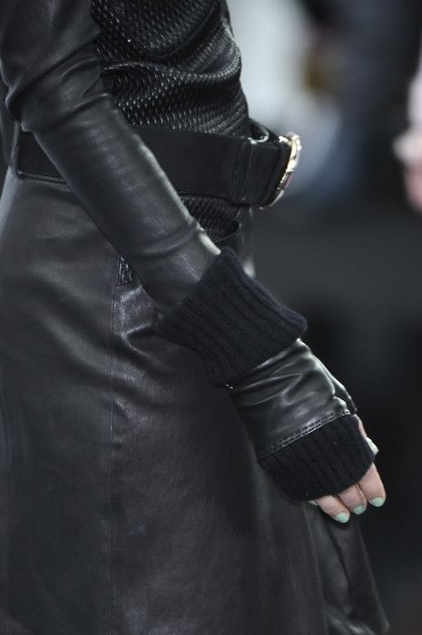 it's all in the details! | totally love black leather+knit combination! Detail...