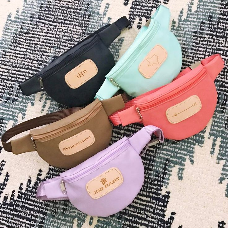 We're getting serious 90's fashion #tbt vibes with our NEW Bellaire Bag fanny packs!!! In stock just in time for spring break at the beach, your upcoming trip to Disney or summer camp, and even music festivals