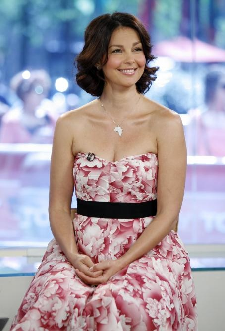 279 best images about ASHLEY JUDD on Pinterest | Harpers ...