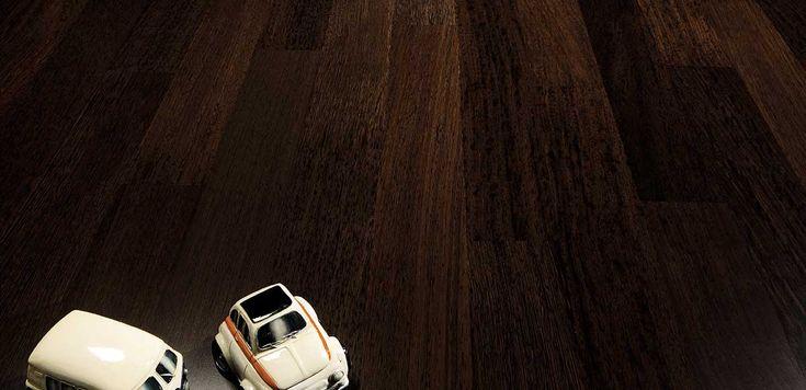 Wengè Superiore collezione Seven. Mazzonetto Wood Floors, pavimenti in legno e parquet 100% Made In Italy.    MISURE: Nobile: 4 mm. Spessore: 10 mm. Larghezza: 70 mm. Lunghezza: 500 - 800 mm.