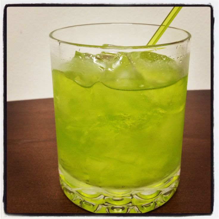 How to Make a Green Apple Jolly Rancher (Cocktail)