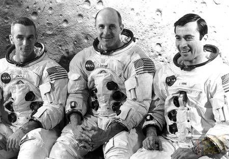 Quelle est cette musique étrange entendue par l'équipage d'Apollo 10 ? Check more at http://science.webissimo.biz/quelle-est-cette-musique-etrange-entendue-par-lequipage-dapollo-10/