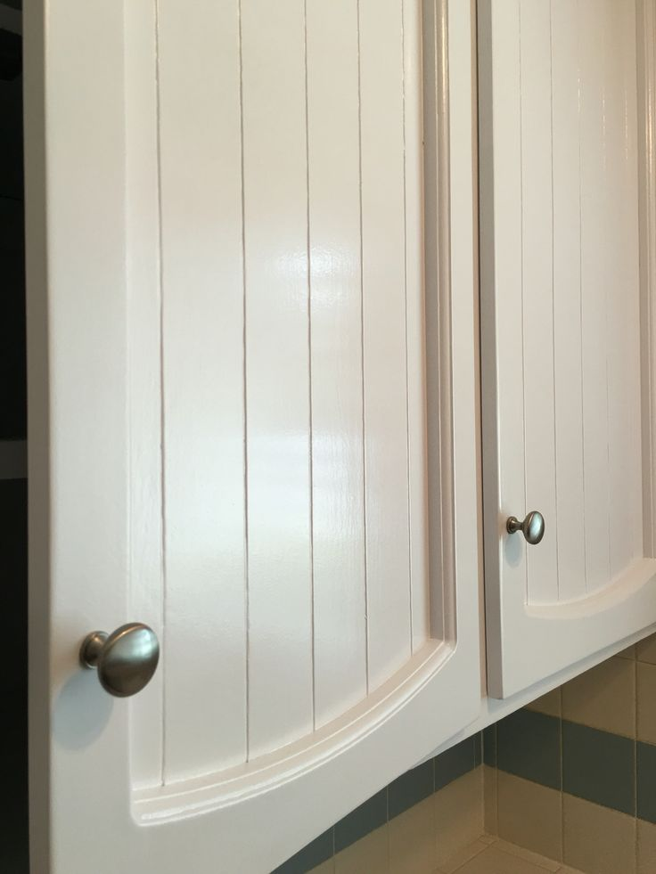 12 best painting 40 year old cabinets get pro results for Behr pro paint