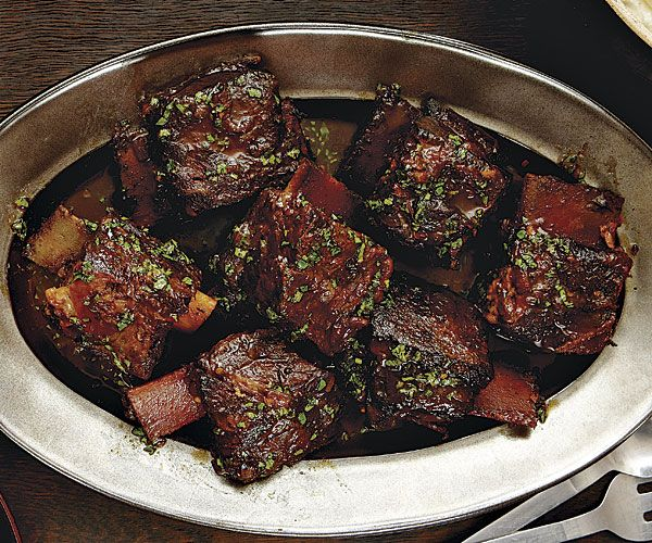 Best Slow-Cooker Recipes ..Try these delicious recipes fromBruce Weinstein and Mark Scarbrough