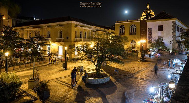 https://flic.kr/p/K9dvBZ | Plaza de Santa Teresa at night