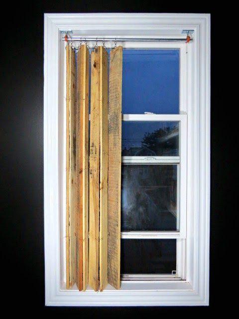 Из деревянных поддонов можно сделать вертикальные жалюзи своими руками в современном стиле индастриал или растик. Подробный мастер класс с фотографиями.