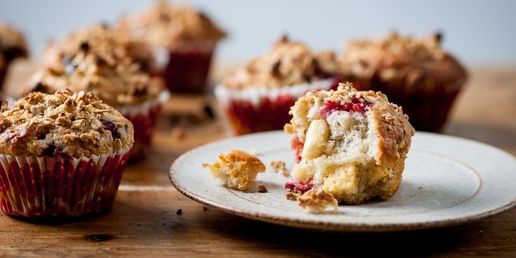 Fluffy muffins full of fruity flavour and topped with crunchy cereal make a great snack any time of the day