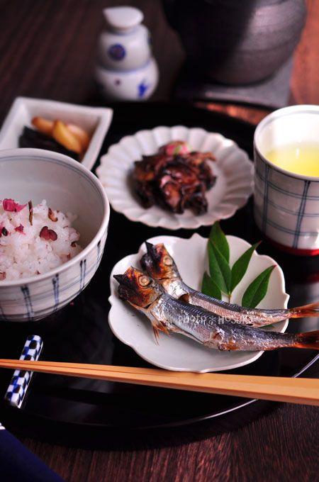 Japanese food / 丸干しと柴漬けごはん