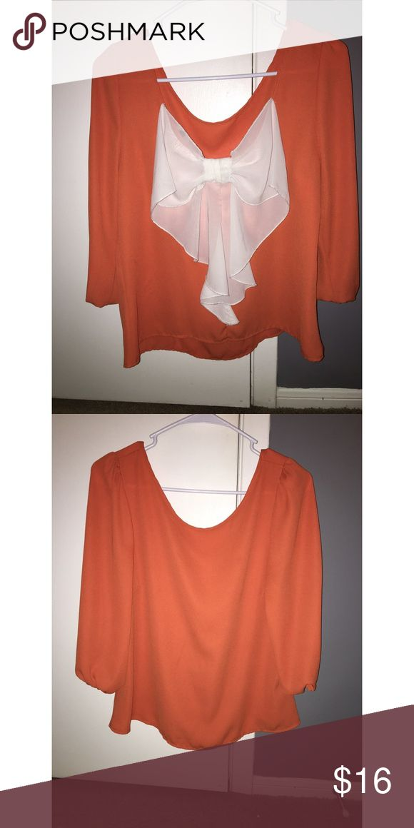 Orange Blouse Only worn once to a Tennessee Football game. Perfect for game day or just the summer in general. White now in the back. Bought from a boutique  Size small. BUNDLE AND SAVE 💕 Tops Blouses