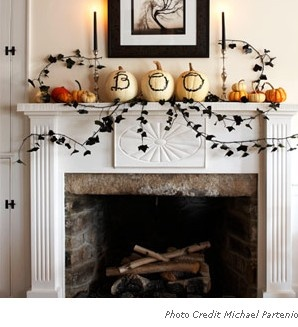 Halloween Mantle - Love the pumpkins!