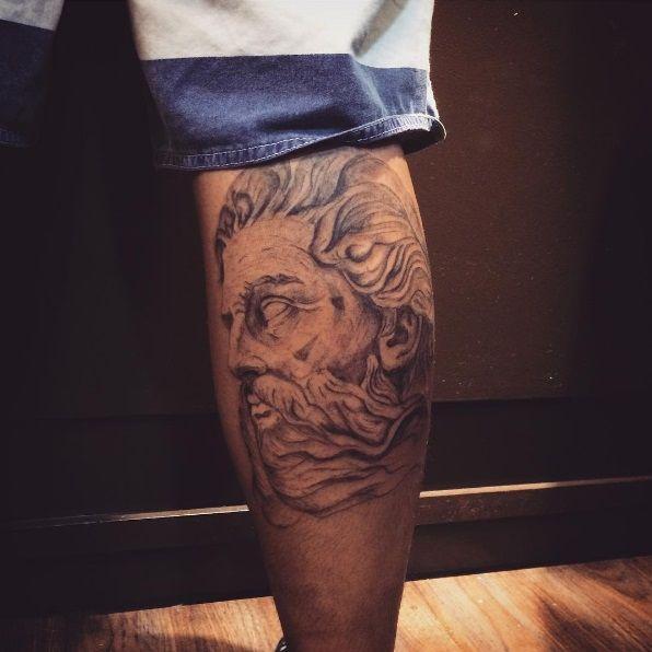les 25 meilleures id es de la cat gorie tatouage zeus sur pinterest tatouage dieu grec. Black Bedroom Furniture Sets. Home Design Ideas
