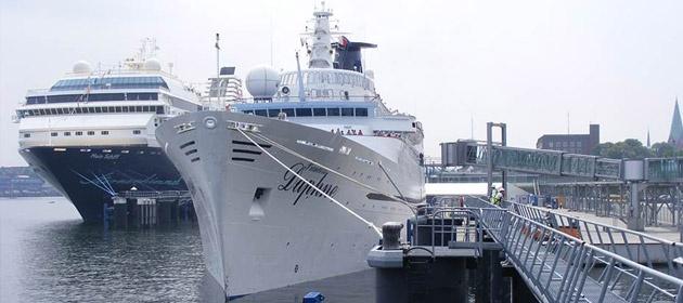 Die Princess Daphne nutzt den Ostseekai als Anlegestelle. Port Parking bietet günstige Parkplätze in unmittelbarer Nähe zum Ostseekai, die online reserviert werden können.