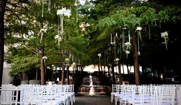 Avanti Fountain Place Wedding Venues Dallas